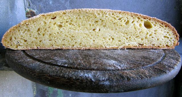 broa crumb small